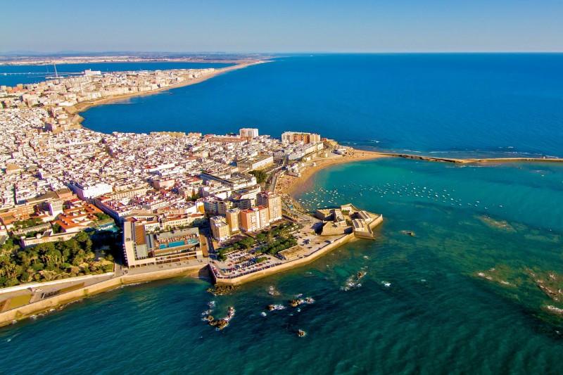 Кадис – старинный город на побережье Андалусии
