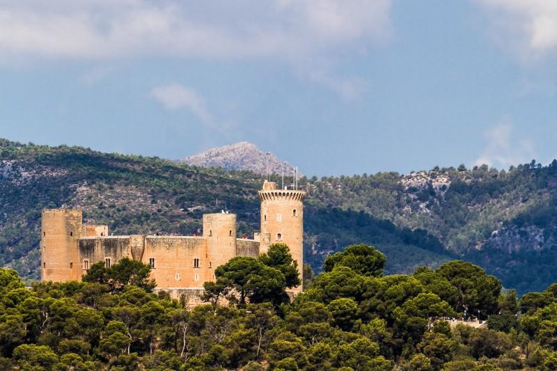 Круглый замок Bellver