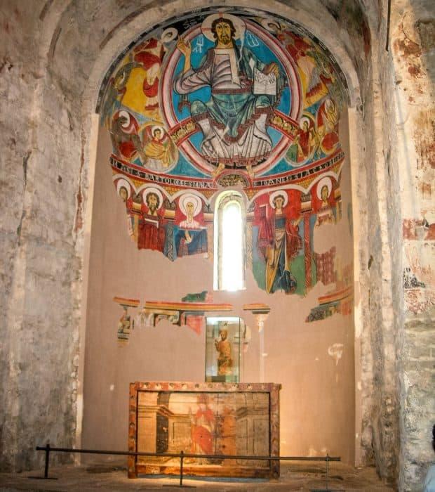 Фрагмент фресковой росписи центральной апсиды церкви Сант-Климент де-Таулл