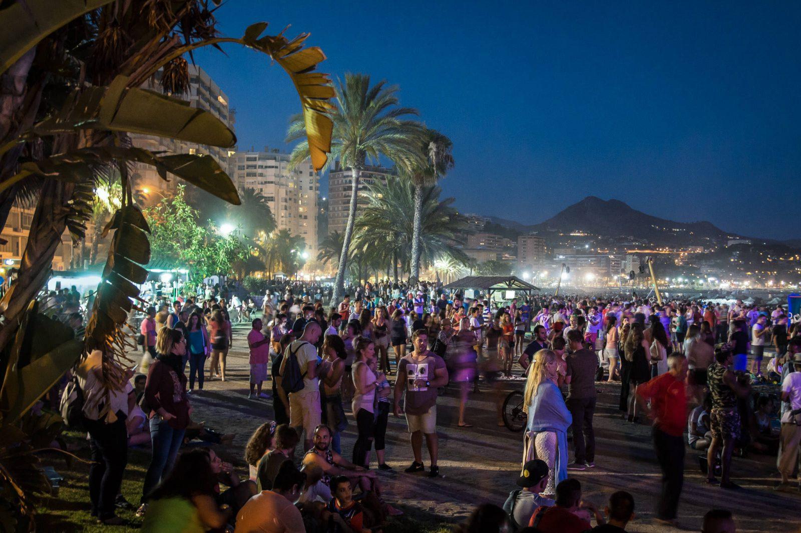 Ночь Сан-Хуана (Fiesta de San Juan) (фото: Remy Frank)