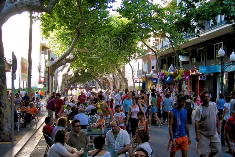 Улица Маркиза де Кампос после бега быков