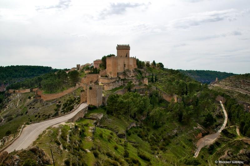 Средневековый замок Alarcón