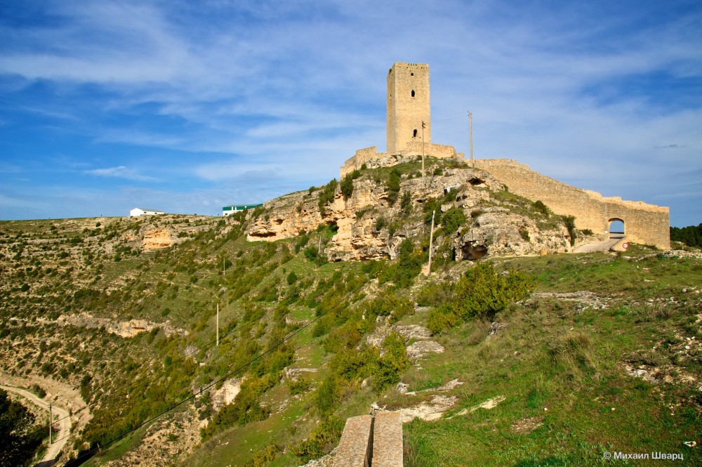 Ворота и башня Campo
