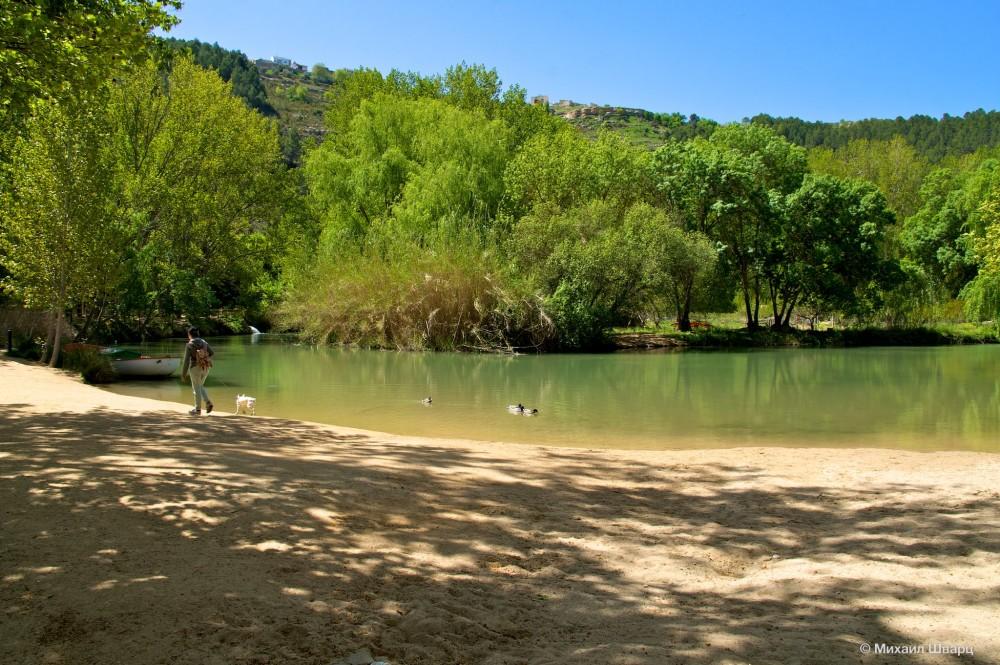 Песчаный берег реки Хукар