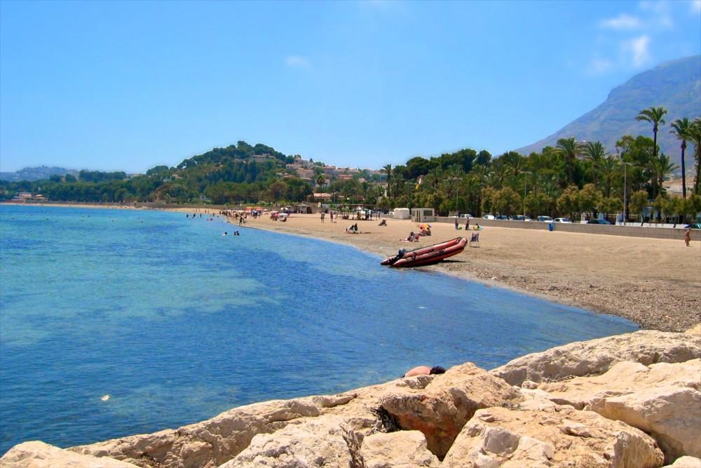 Пляж La Marineta Cassiana (фото: DubheYoshy)