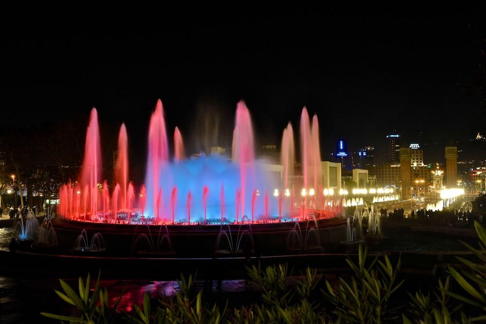 Магический фонтан вечером (фото: PROMiquel González Page)