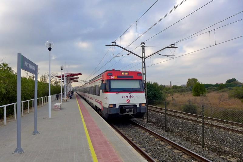 Поезд на станции Порт Авентура
