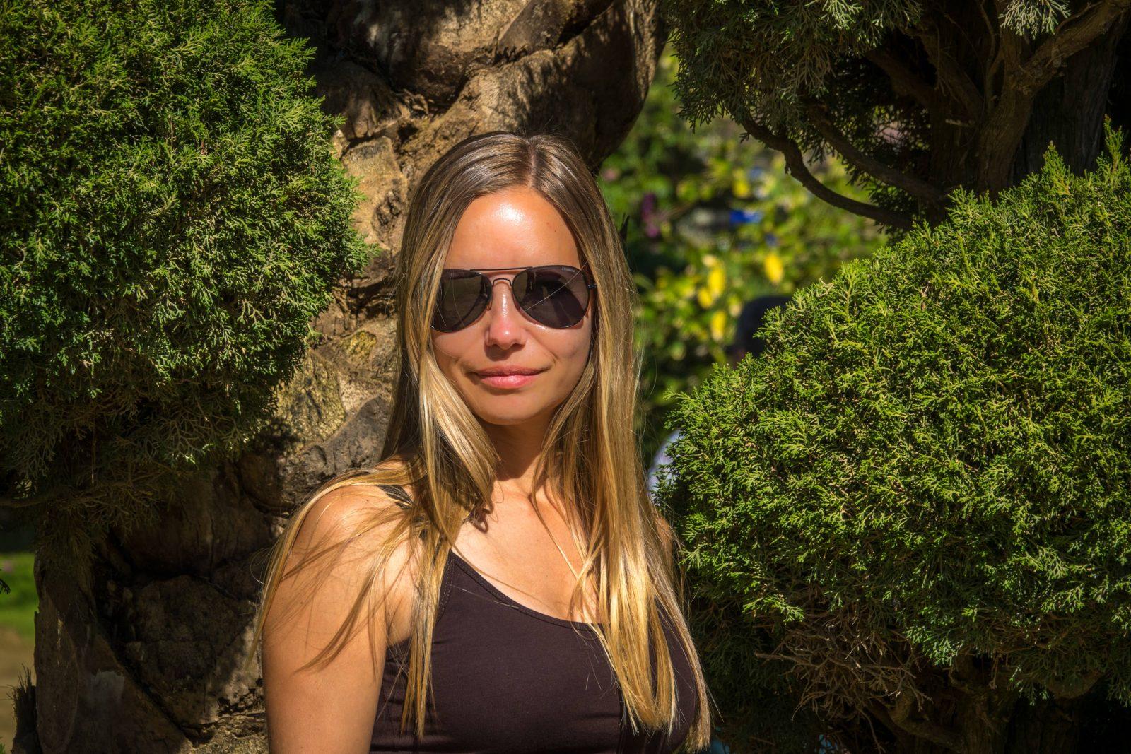 Лена в Генуэзском парке