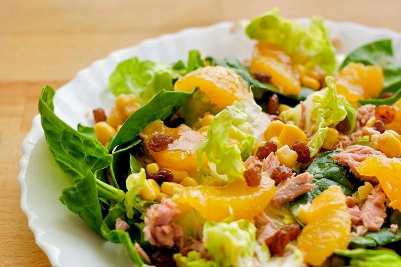 Оранжевый салат со шпинатом (Ensalada de lechuga y espinacas con naranja)