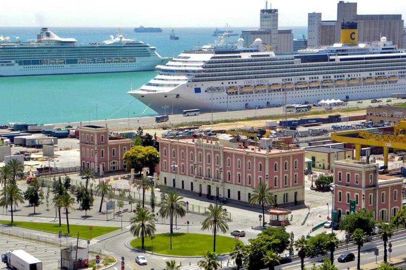 Круизные лайнеры в порту Барселоны