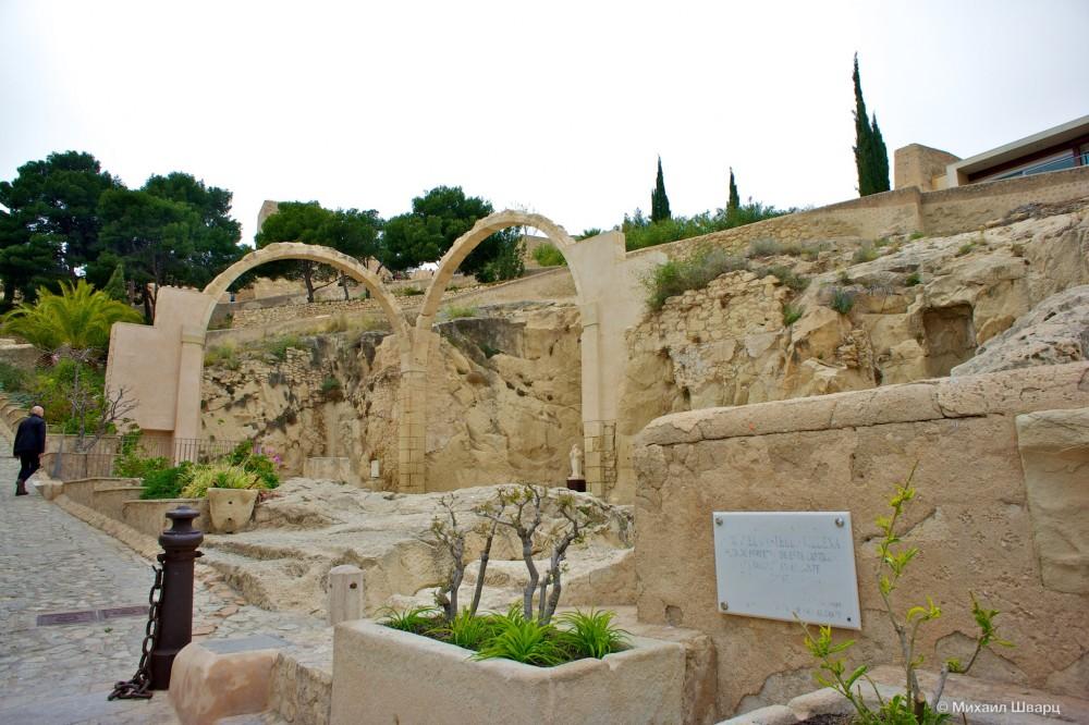 Руины часовни Святой Барбары