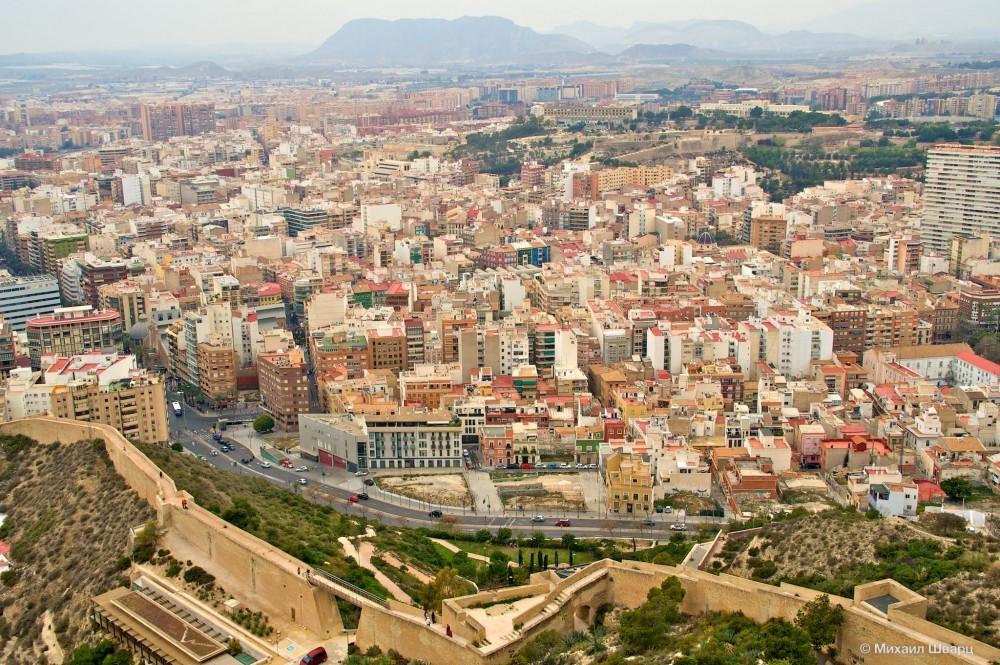 Стены и город