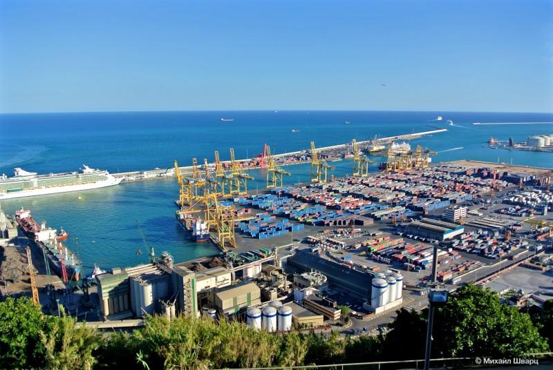 Грузовая часть порта Барселоны