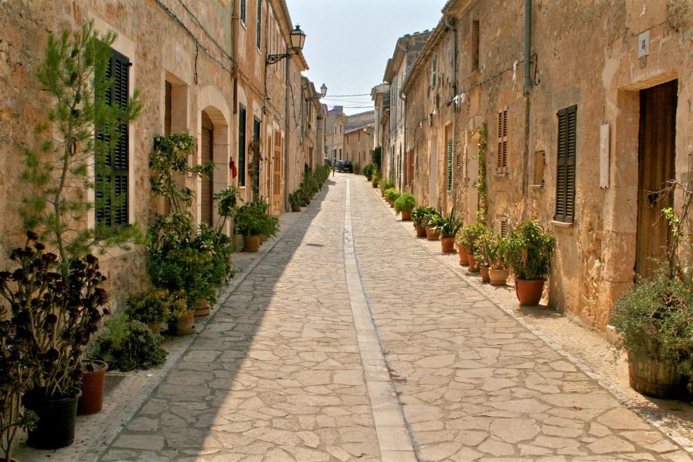 Улица города Petra (фото: Derry Oates)