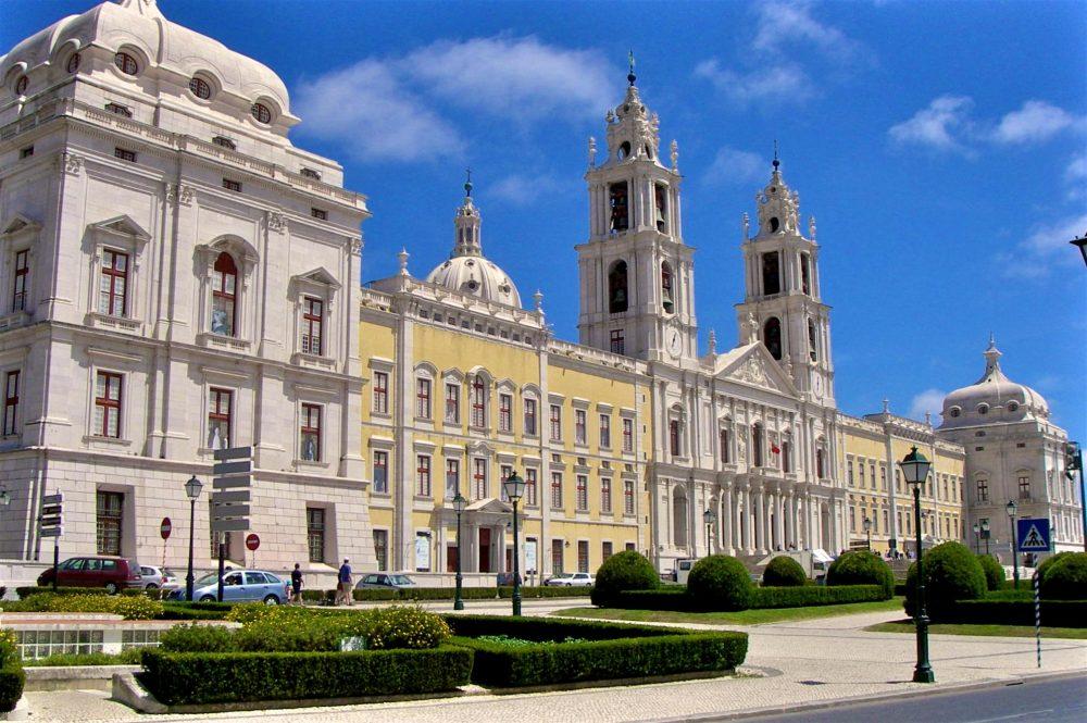Дворцовый комплекс Мафра (фото: anabananasplit)