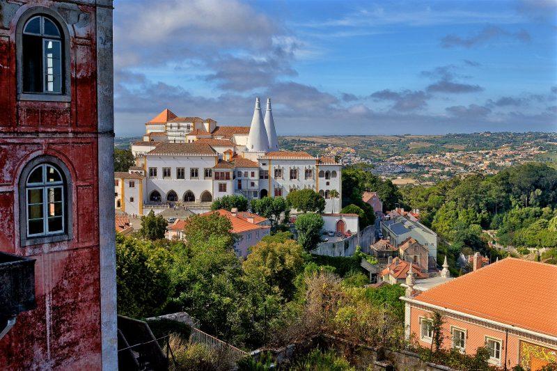 Синтра – цветущий пригород Лиссабона