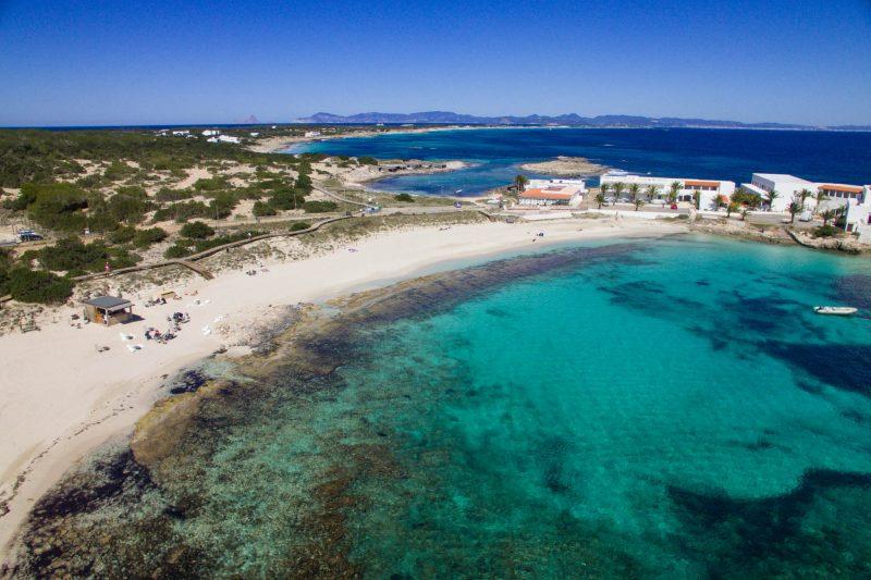 Pujols – хороший доступный пляж для отпуска