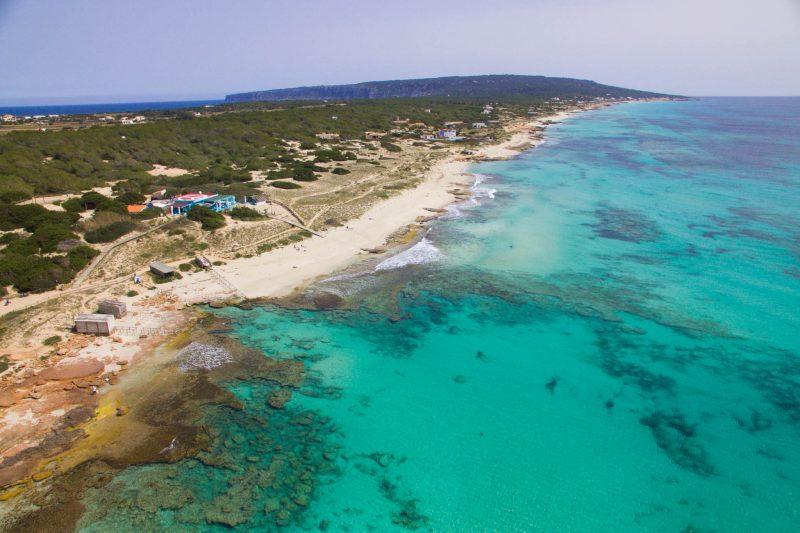 Фотогеничный пляж Platja de Migjorn