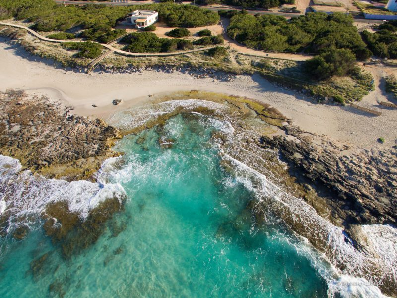 Небольшие пляжи около Sant Agustí