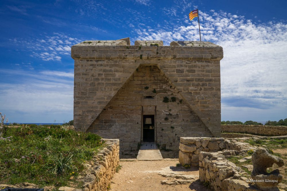 Башня Castell de n'Amer