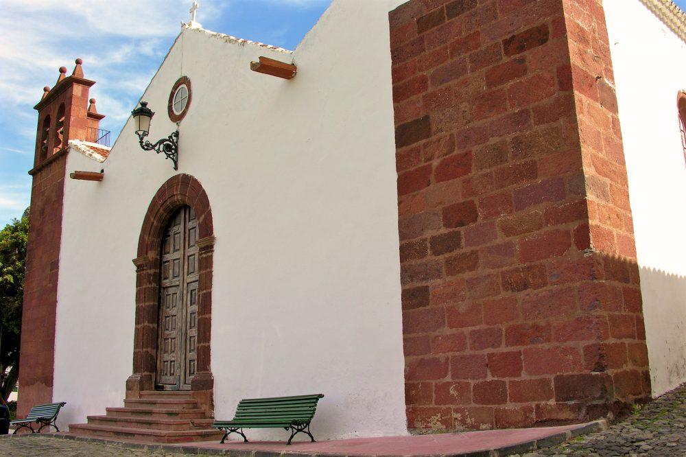 Церковь Девы Марии Снежной (фото: tenerifetur)