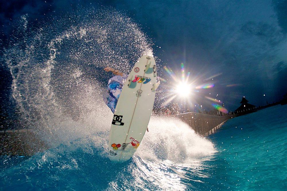 Поймать волну в Сиам Парке (фото: Murphys Waves)