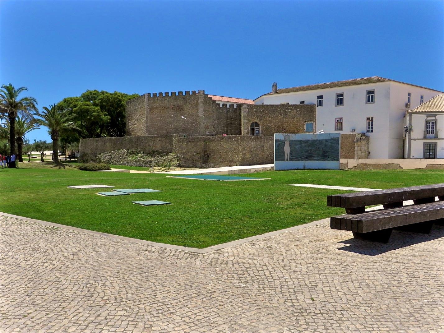 Замок Лагуш (Castelo de Lagos) (фото: Erik B.)