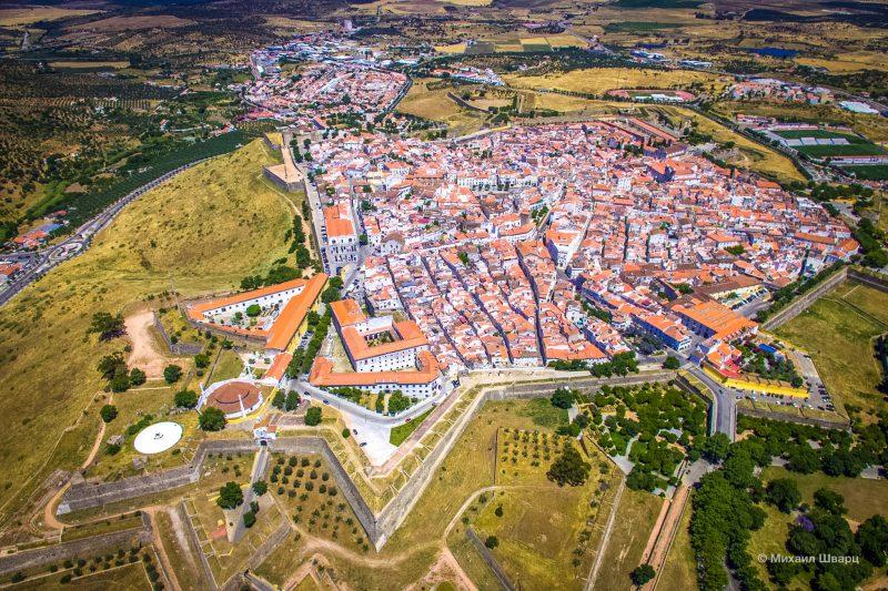 Город-крепость Элваш