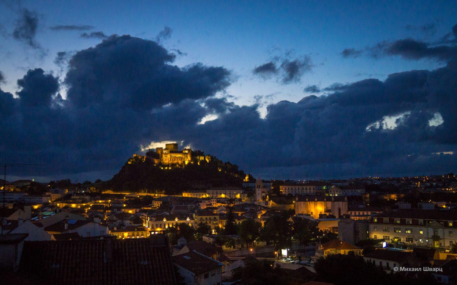 Ночной вид на крепость