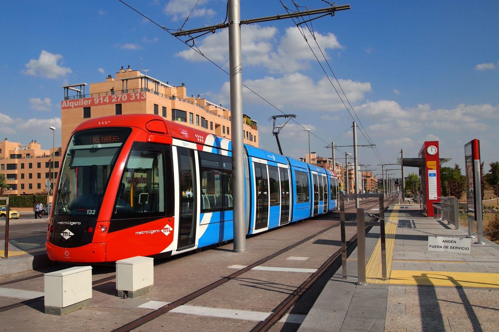 Metro ligero – легкое метро (фото: Tiia Monto)