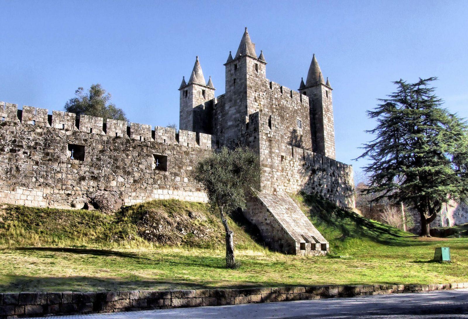 Замок Санта-Мария-да-Фейра (Castelo de Santa Maria da Feira)