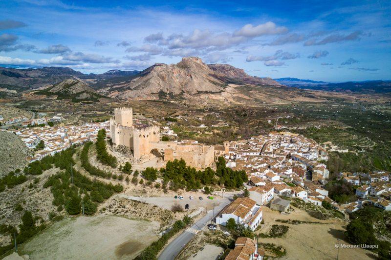 Замок Velez Blanco