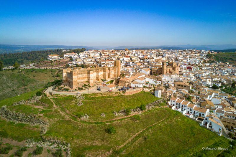 Крепость Крепость Castillo de Bury Al-Hammam и панорама города