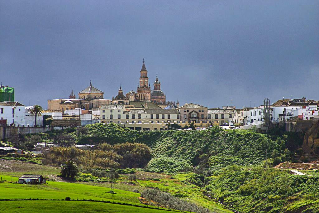 Вид на Кармону (фото: Beltenebros)