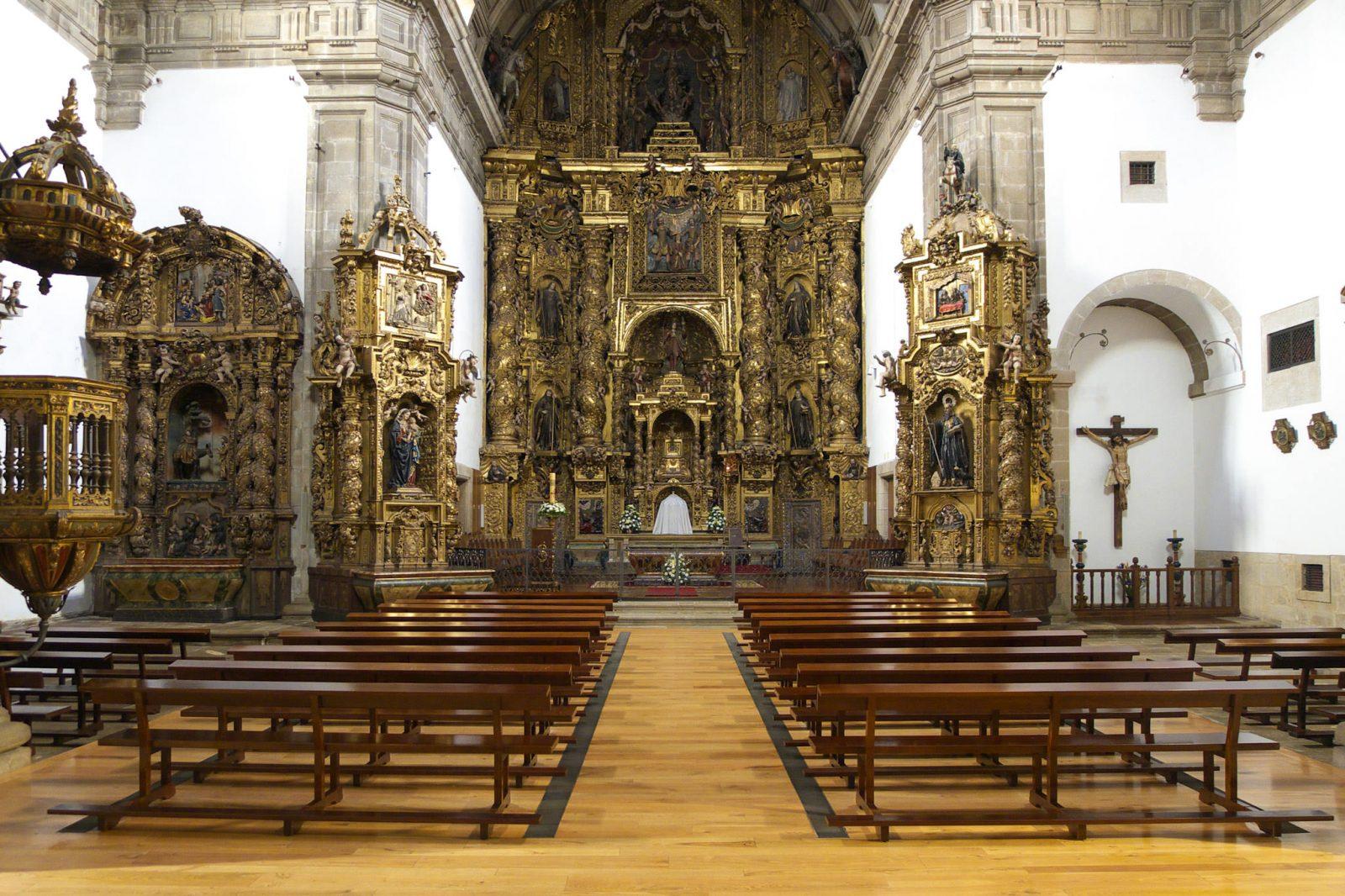 Внутри церкви (фото: José Luis Filpo Cabana)