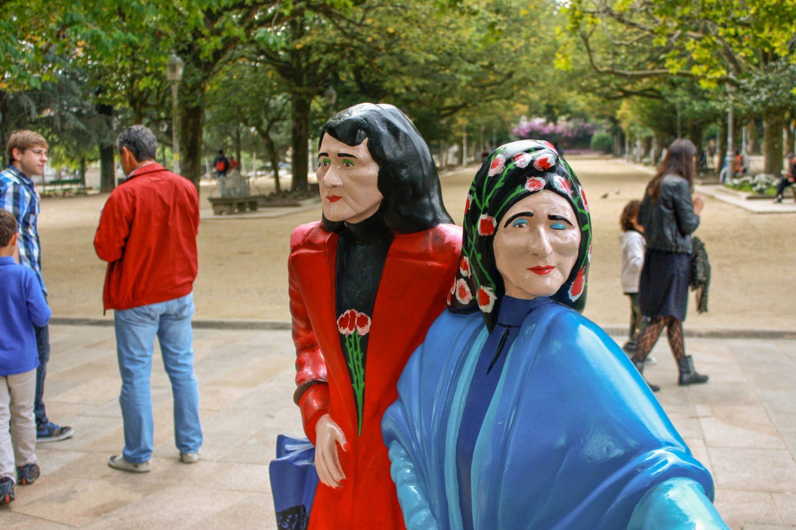 Скульптура – «Две Марии» (фото: Trevor Huxham)