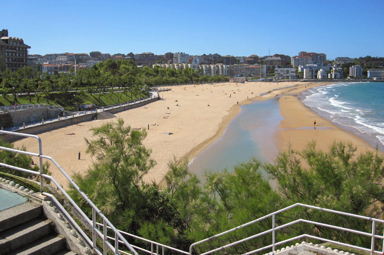 Второй пляж Эль-Сардинеро (фото: José Julio Melgares)