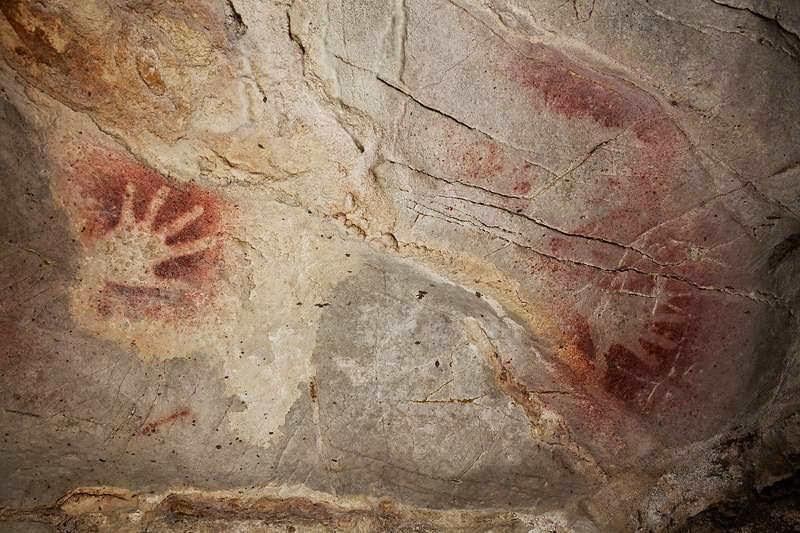 Наскальные изображения в пещере El Castillo
