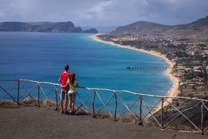 Песчаный пляж острова Порту-Санту