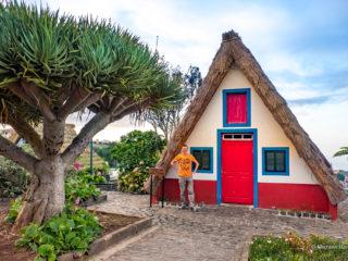 Традиционные домики города Сантана
