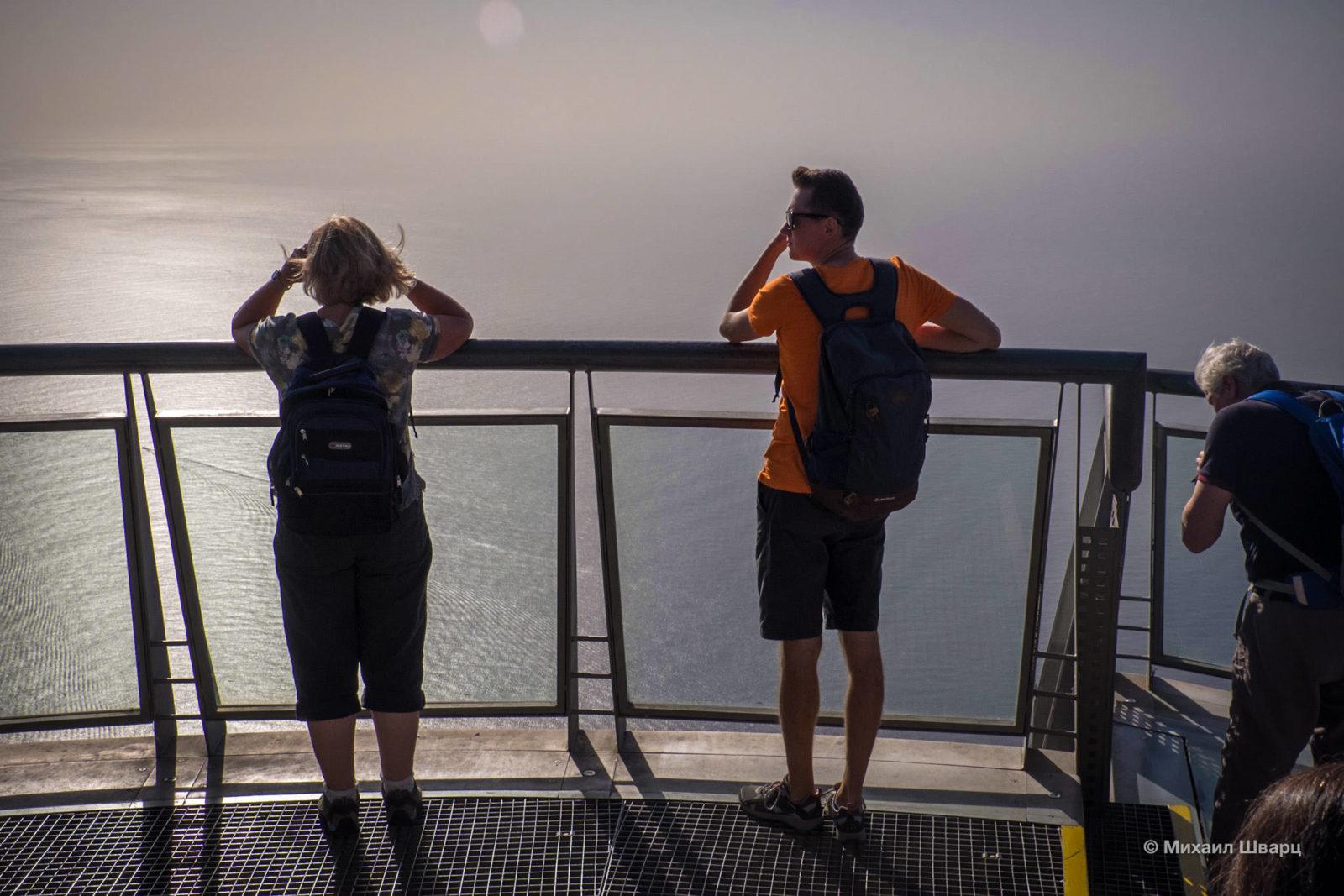 Смотрю на бескрайний океан