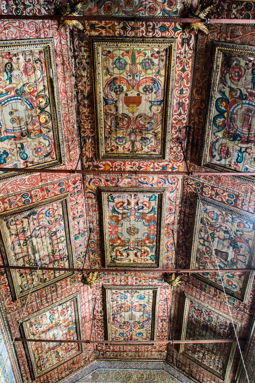 Потолок (фото: Barbara Griffin Robinson)