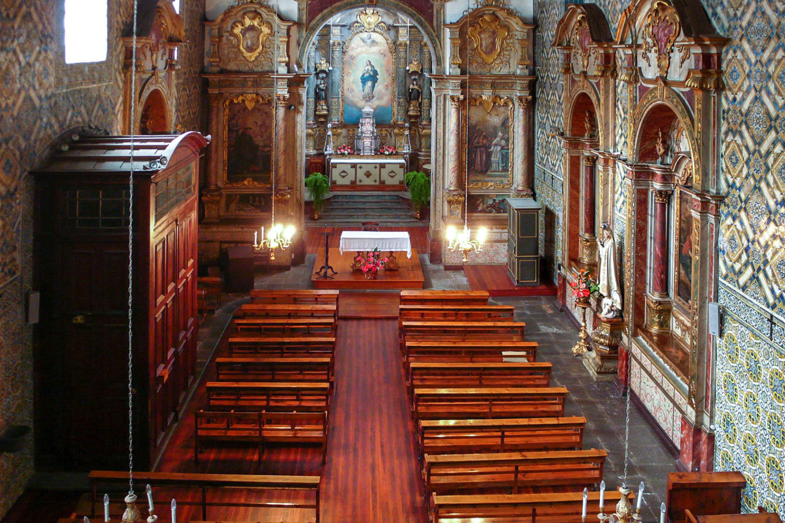 Интерьер церкви (фото: Graeme Mitchell)