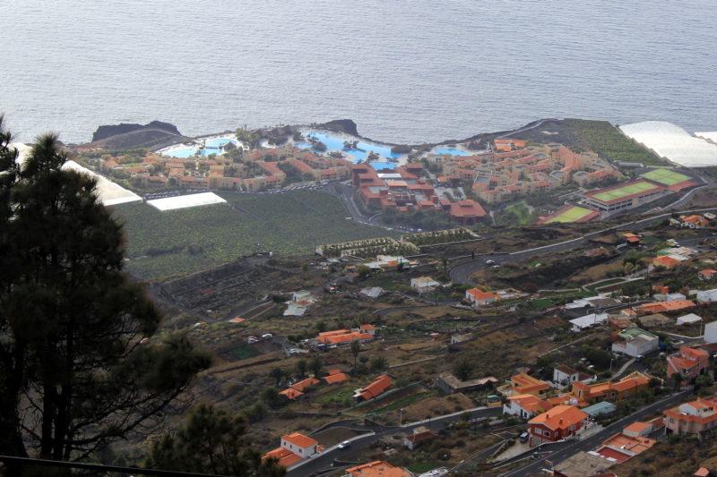 Отель Palma Princess как на ладони (вид с подъездной дороги)