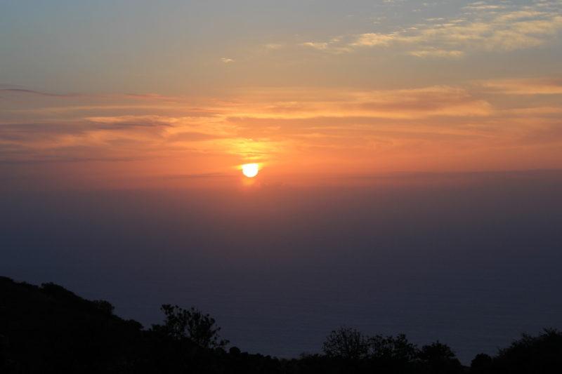 Закат на западной стороне острова