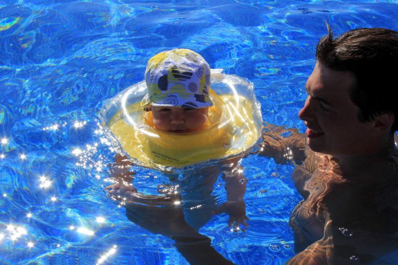 Подогреваемый бассейн в отеле
