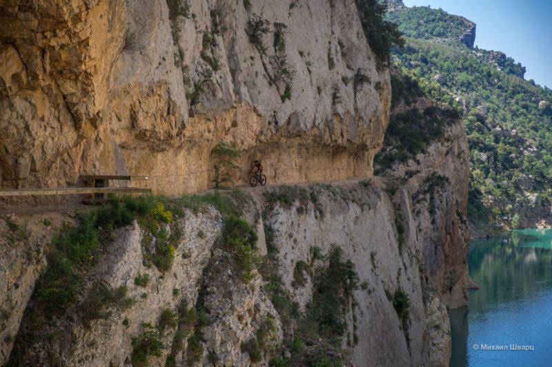 Опасная дорога Congost de Mont-rebei 13