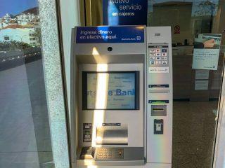 В каких испанских банкоматах нет комиссии за снятие