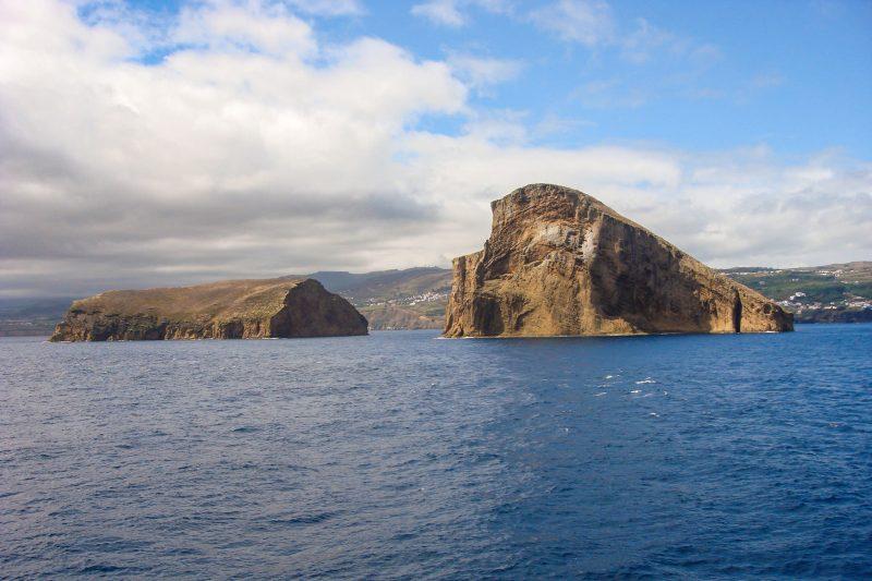 Два необитаемых острова – Большой и Малый