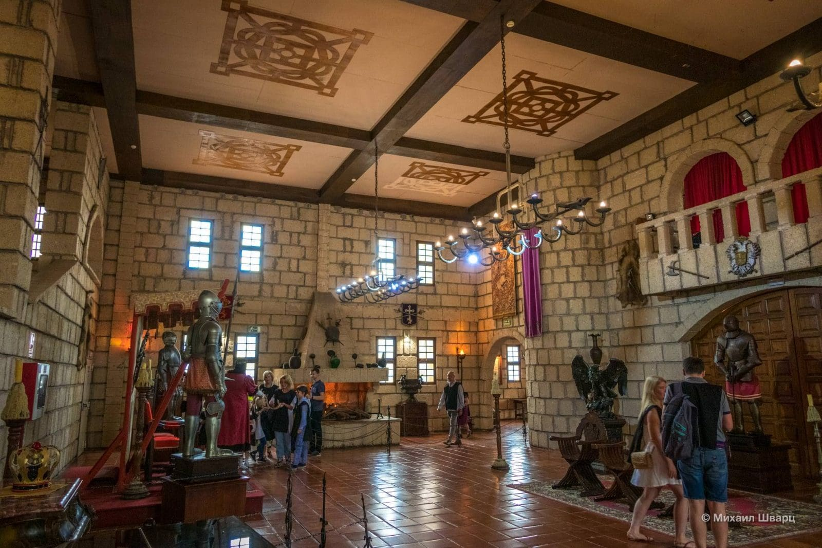 Тронный зал в замке Сан-Мигель